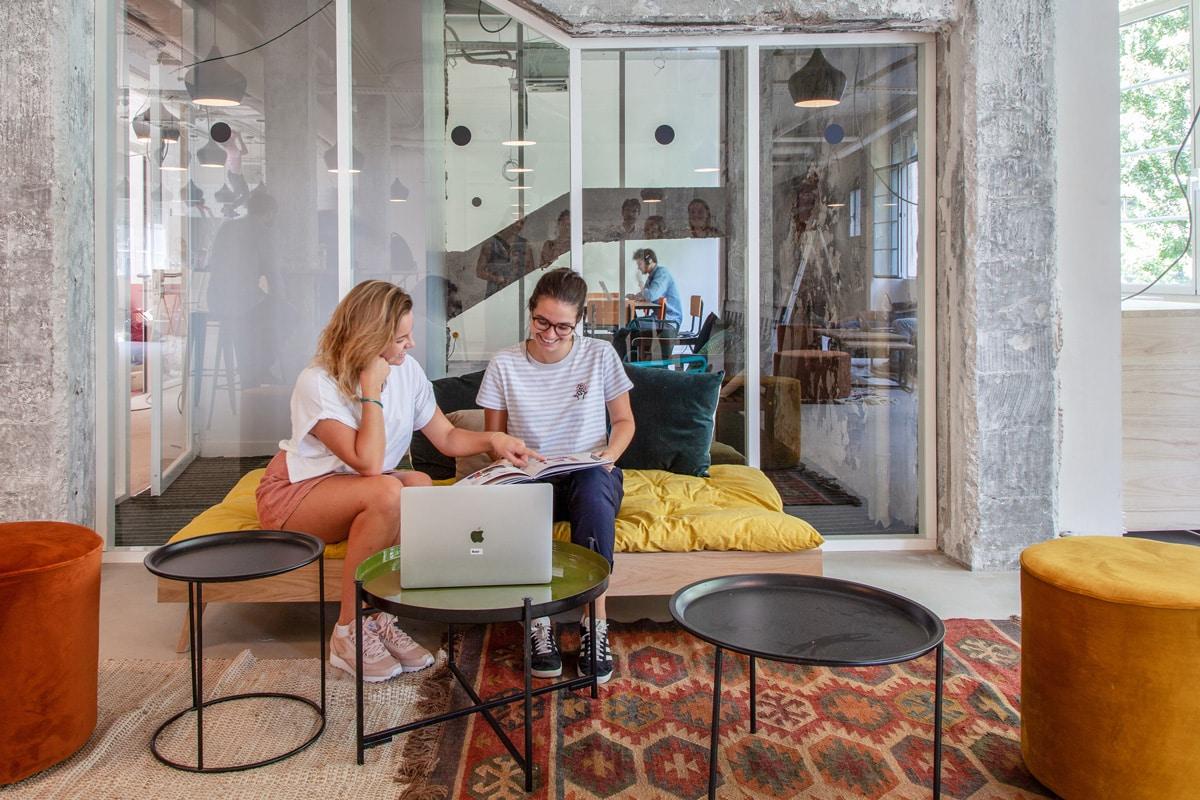 La collaboration dans un espace de coworking